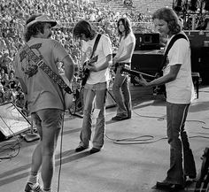 The Eagles on July 1974 at the Orange Bowl in Miami. (L to R, Bernie Leadon, Glenn Frey, Randy Meisner, Don Felder) This was a day-long concert. History Of The Eagles, Rock And Roll History, Soul Music, Music Lyrics, Classic Rock Artists, Eagles Band, Eagles Music, Randy Meisner, Glenn Frey