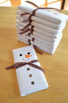 Snowman wrapped chocolate bars Ideas for the neighbors, mailman, teachers!
