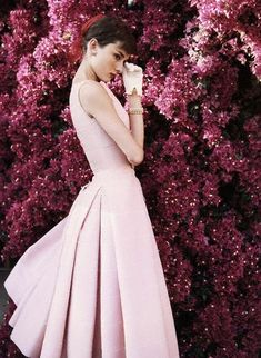 Audrey in powder pink