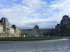paris-luvru-intrarea de la piramide