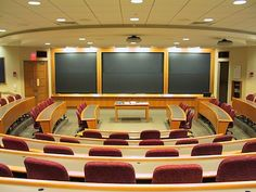 Harvard university classroom. Great for debating classes or even speech presentation classes etc.Good space to collaborate.