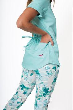 Emma Spandex Aira Cute Scrubs Uniform, Cute Nursing Scrubs, Scrubs Outfit, Dr Coats, Stylish Scrubs, Beautiful Nurse, Medical Scrubs, Costume, Sports Women