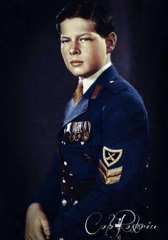 Michael I Of Romania, History Of Romania, Romanian Royal Family, Royal Photography, Nike Wallpaper, Life Motto, History Facts, King Queen, Rey