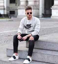 Moda para hombres 2018 // Fashion for men 2018 Just for the men. Mens Fashion 2018, Trendy Mens Fashion, Dope Fashion, Stylish Men, Fashion Pants, Men Casual, Fashion Black, Fashion Ideas, Modest Fashion