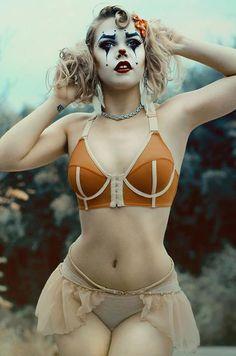 http://WhoLovesYou.ME | #clowns Love her! http://s3.amazonaws.com/content.tiptoplolz/193772037431252.jpg  #clowns #vintage