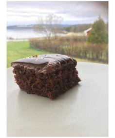 Going back to my roots med sjokoladekake My Roots, Desserts, Food, Meal, Deserts, Essen, Hoods, Dessert, Postres