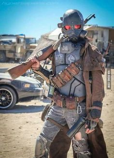 Funny pictures about Incredible Fallout Cosplay. Oh, and cool pics about Incredible Fallout Cosplay. Also, Incredible Fallout Cosplay photos. Fallout New Vegas, Fallout Art, Fallout Meme, Amazing Cosplay, Best Cosplay, Cosplay Diy, Anime Cosplay, Cosplay Ideas, Costume Ideas