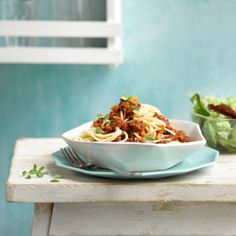 Kook je voor één? Ons gezonde recept voor Spaghetti bolognese is snel en eenvoudig te bereiden.  Een lekker gerecht , perfect afgestemd op de eenpersoons portie.