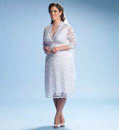 vintage-inspired-plus-size-wedding-dress