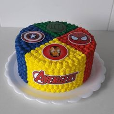 Avengers Birthday Cakes, Birthday Cake Kids Boys, 5th Birthday Cake, Superhero Birthday Cake, Super Hero Birthday, Superhero Party Food, Batman Party, Birthday Parties, Pastel Avengers