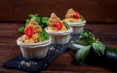 Sýrovo-cuketové cupcakes se sušenými rajčaty » Pečení je radost