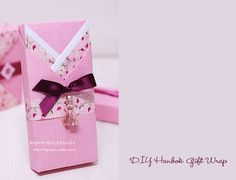 Hanbok gift wrap-so cute! First Birthday Parties, First Birthdays, Party Invitations, Party Favors, Wrapping Ideas, Gift Wrapping, Favor Boxes, Gift Boxes, Childrens Party