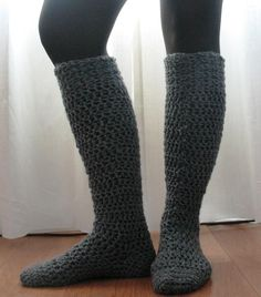 Knee High Boot Socks « The Yarn Box...I think i might try this they look so comfy !! Crochet Socks Pattern, Knit Patterns, Crochet Boot Socks, How To Crochet Socks, Crochet Slippers, Knitting Socks, Crochet Socks Tutorial, Learn To Crochet, Crochet Clothes