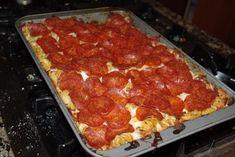 Easy Pizza Pasta Casserole (beef, onion, garlic, italian seasoning, olive oil, spaghetti sauce, rotini pasta, mozzarella cheese, pepperoni)