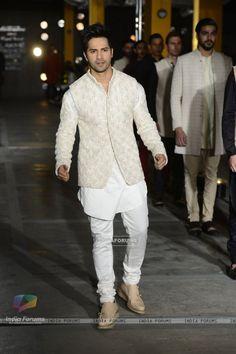 Varun Dhawan walks for Kunal Rawal at Lakme Fashion Week 2017 Day Mens Indian Wear, Indian Groom Wear, Indian Men Fashion, Mens Fashion Suits, Men's Fashion, Wedding Kurta For Men, Wedding Dresses Men Indian, Wedding Dress Men, Wedding Sherwani
