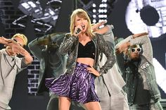 Billboard - Taylor Swift Kicks Off 1989 Tour in Tokyo, Talks About Her Life-Changing Year