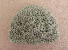 d37de859f79 VERY EASY pretty crochet baby hat - shell stitch baby hat tutorial https