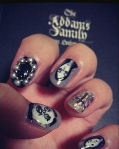 Adamsfamily#ネイル #ネイルアート  #セルフネイル  #セルフネイル部  #nail #nails #nailart #nailstagram #naildesign   #beautiful  #fashion  #art #arts #paint #Adamsfamily #Halloween #Halloweennail