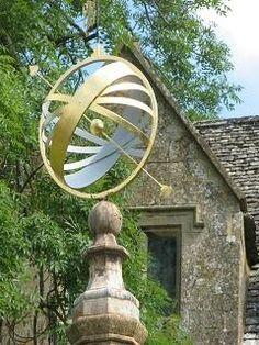 Sonnenuhr im Garten Snowhill Manor England