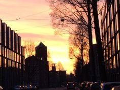 Goodmorning #sunshine… earlybird at #Amsterdam #East side looking towards the #stayokay #zeeburg #indischebuurt inoost.metmik.nl
