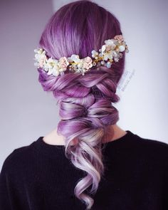 [New] The 10 Best Hairstyle Ideas Today (with Pictures) - Twist it! This gorgeous purple up-do was created by styled and set with hairspray Pastel Lavender Hair, Purple Hair, Up Hairstyles, Braided Hairstyles, Hairstyle Ideas, Medium Hair Styles, Curly Hair Styles, Flower Crown Hairstyle, Hairspray