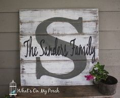 DIY Pallet sign Ideas - Monogram Pallet Family Name Sign - Upcycled Pallet Art Cool Homemade Wall Art Ideas and Pallet Signs for Bedroom, Living Room, Patio and Porch. Creative Rustic Decor Ideas on (Diy Pallet Wall)
