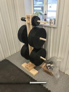 Weight stand diy - Living - Home Gym Home Made Gym, Diy Home Gym, Home Gym Decor, Home Gym Basement, Home Gym Garage, Gym Room At Home, Diy Gym Equipment, Dream Home Gym, Home Gym Design