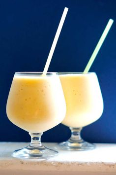 This Peaches n Cream Smoothie is packed with protein! Have you ever though of putting cottage cheese in your smoothies? It adds creaminess and protein!