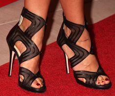 Rashida Jones wearing Jimmy Choo heels on the red carpet