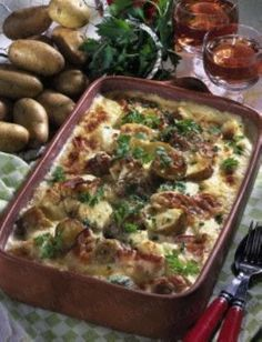 Deftiger Kartoffelauflauf - Hearty Potato Casserole (I had to paste the directions into Google translate because they are in German)