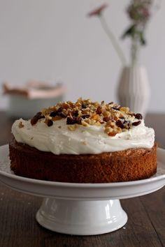 De beste worteltaart ever (best carrot cake ever) Healthy Carrot Cakes, Healthy Dessert Recipes, Healthy Baking, Healthy Desserts, Healthy Meals For Two, Love Food, Sweet Recipes, Sweet Tooth, Food And Drink