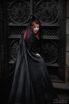 Gothic Vampire, Dark Gothic, Romantic Goth, Victorian Goth, Goth Art, Gothic Beauty, Light In The Dark, Cyber, Art Photography