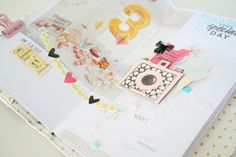 TN Tutorial Scrapbook Werkstatt - Maggie Holmes / Crate Paper `Carousel' - Ulrike Dold Crate Paper, Scrapbook Paper Crafts, Tutorial, Mini Albums, Crates, Journals, Scrapbook Paper, Paper Crafting, Tips And Tricks