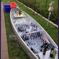 O barco está pronto para a pescaria!.