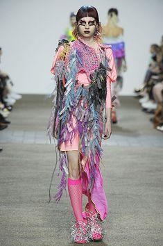 Women S Fashion Stores Queenstown Weird Fashion, Dope Fashion, Knit Fashion, Colorful Fashion, Unique Fashion, Fashion Art, Runway Fashion, London Fashion, Womens Fashion