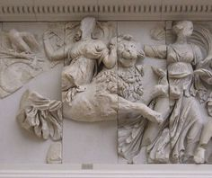 Dal Fregio Sud: Gigantomachia, Rea/Cibele a cavallo di un leone.