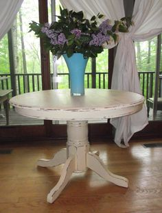 There is nothing better in the DIY world than a dramatic before and after.  I definitely achieved that with this $25 goodwill pedestal table...