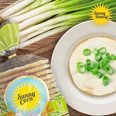 Czy wiecie, że nasze Sunny Corn cebulowe znakomicie komponują się z wiejskim serkiem i świeżutkim szczypiorkiem? To przepis na smakowite śniadanie! http://sunnycorn.pl/produkty_sunny_corn/wafle_sunny_corn #sunny #corn #recipe #przepis #szczypiorek #serek #taste #snack #wafers