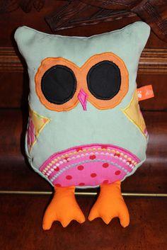 eine süsse Eule <3 Rid, Facebook, Handmade, Shopping, Stuffed Toys, Cuddling, Owls, Cats, Craft