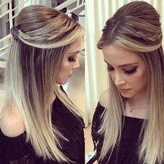 2018 party hairstyle for bridesmaids and foramndas Fancy Hairstyles, Straight Hairstyles, Braided Hairstyles, Love Hair, Gorgeous Hair, Medium Hair Styles, Short Hair Styles, Hc Hair, Hair Upstyles