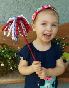 Korker Ribbon Sparkler Wand Tutorial ~ Let your kids show their 4th of July spirit with this ribbon sparkler wand