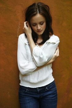 Alexis Bledel aka Cara (série Les Cavaliers de l'Apocalypse tome 1 - Larissa Ione) Alexis Bledel, Rory Gilmore, Gilmore Girls, Jennifer Connelly, Helen Hunt, I Love Girls, Wattpad, Hollywood Celebrities, Pretty Woman