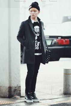 Shinee Key airport fashion