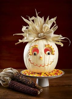 27 Creative and Scary Pumpkin-Carving Ideas for Halloween. Halloween spooky decoration ideas with pumpkins. Creative pumpkins decoration ideas for Halloween. Halloween indoor and outdoor decoration ideas. Diy Halloween, Adornos Halloween, Halloween Pumpkins, Halloween Decorations, Halloween 2018, Holidays Halloween, Classy Halloween, Halloween Witches, Halloween Quotes