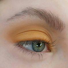 мαкє ιт υρ кι∂ //@тυяνєт нмυ fσя fαв ριиѕ #makeup #yellow #aesthetic