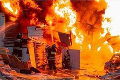 FEATURED POST @firefighter0551 - @gkupsc . . TAG A FRIEND! http://ift.tt/2aftxS9 . Facebook- chiefmiller1 Periscope -chief_miller Tumbr- chief-miller Twitter - chief_miller YouTube- chief miller Use #chiefmiller in your post! . #firetruck #firedepartment #fireman #firefighters #ems #kcco #flashover #firefighting #paramedic #firehouse #straz #firedept #feuerwehr #crossfit #brandweer #pompier #medic #firerescue #ambulance #emergency #bomberos #Feuerwehrmann #firefighters #firefighter #chiver…