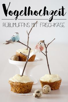 Rübli muffins with cream cheese cream and spring bird wedding toppings Diy Cake Topper, Cake Toppers, Spring Birds, Cupcakes, Dessert Recipes, Desserts, Celebration Cakes, Cake Decorating, Cheese