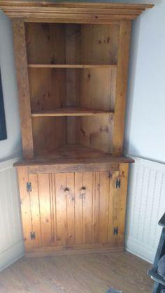 Excellent Condition Gorgeous Solid Wood Corner Unit Measures 79 H X 39