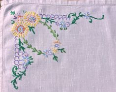 Vintage hand embroidered Tray Cloth yellow Daisy design, table mat, table cloth