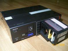 Sony MTL-10 de 1984. Cambiacintas automático para 10 cintas